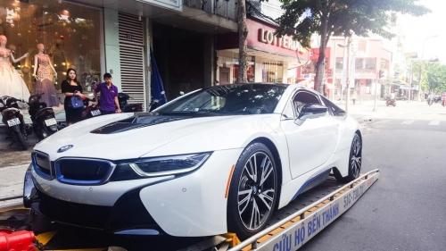 Lộ danh tính người chồng mua siêu xe 7 tỷ BMW i8 tặng sinh nhật vợ - Ảnh 5.