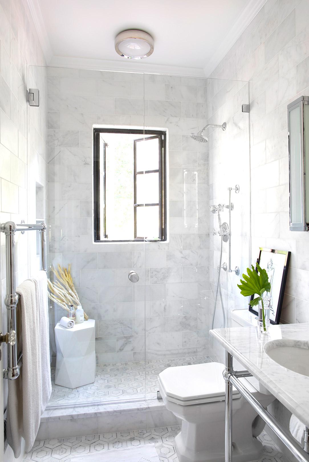 Trang trí nhà với màu trắng để đem lại vẻ tinh khôi và bình yên