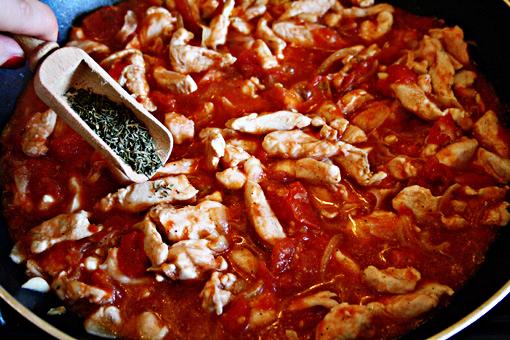 Gà xốt cà chua đậm đà ngon cơm