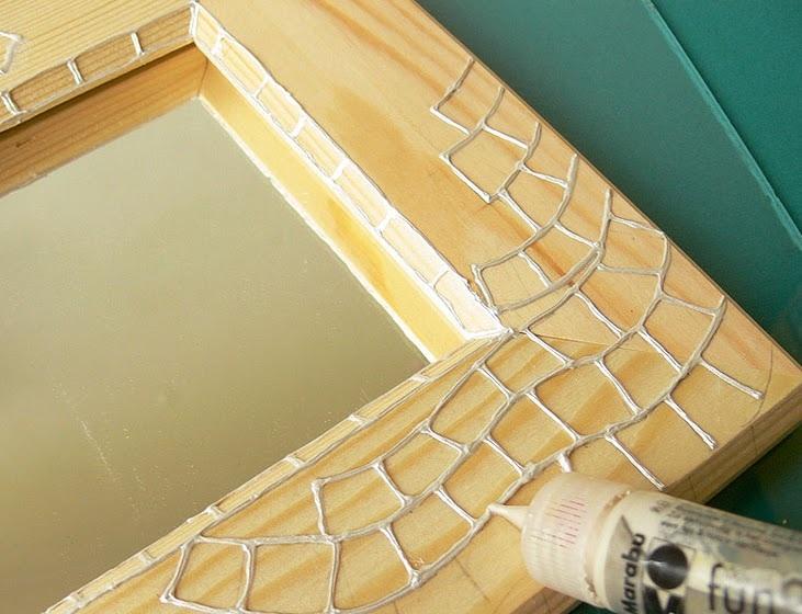 Trang trí khung ảnh gỗ long lanh như vẽ kính