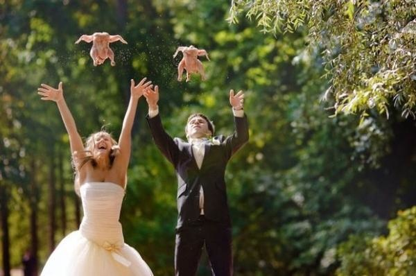 Looking to add a special touch to your wedding photos?