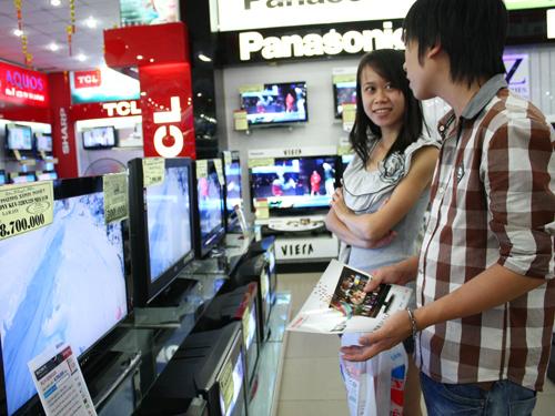 Cách sử dụng tivi màn hình phẳng an toàn, tiết kiệm điện