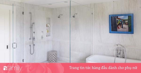 Đâu chỉ phòng khách, phòng ngủ mà phòng tắm cũng cần có một bức tranh treo tường