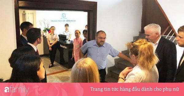 Trung tâm IVF Hồng Ngọc đón đoàn Ủy ban Y tế Hạ viện Quốc hội Cộng hòa Séc sang thăm
