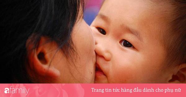 Nguy cơ lây nhiễm vi khuẩn gây ung thư từ thói quen hôn môi và mớm cơm cho con