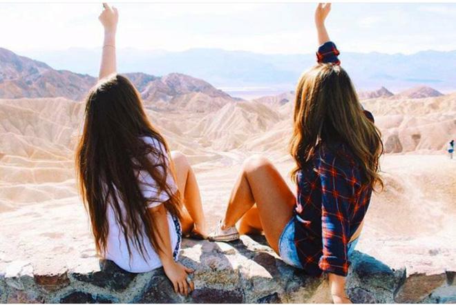 Hai cô gái xinh đẹp mở màn trào lưu đi du lịch cùng bạn gái thân khắp thế giới - Ảnh 17.