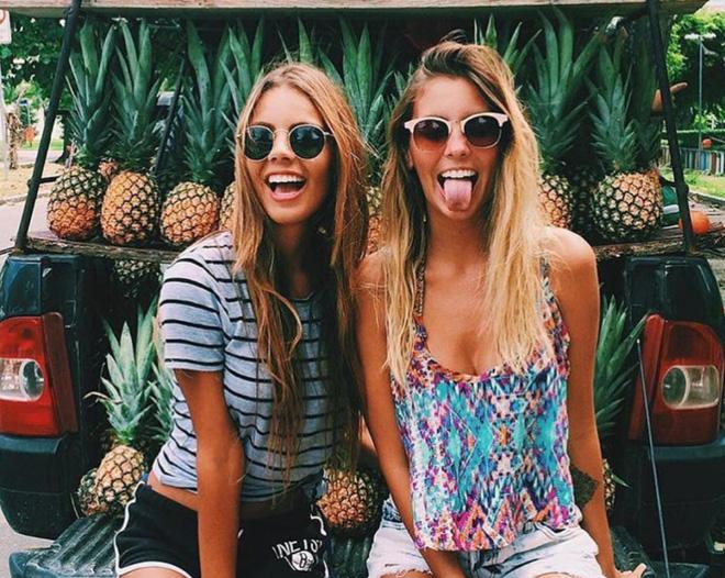 Hai cô gái xinh đẹp mở màn trào lưu đi du lịch cùng bạn gái thân khắp thế giới - Ảnh 19.