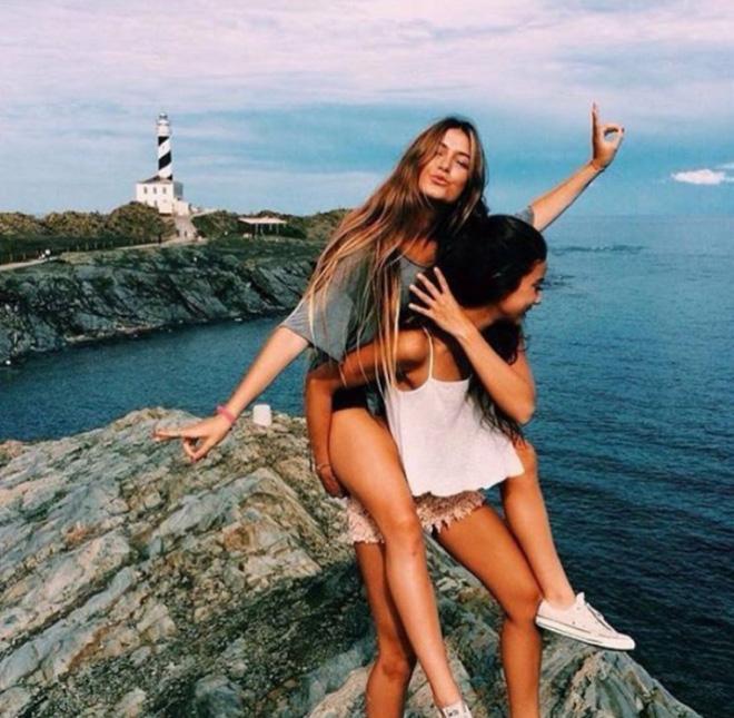 Hai cô gái xinh đẹp mở màn trào lưu đi du lịch cùng bạn gái thân khắp thế giới - Ảnh 23.