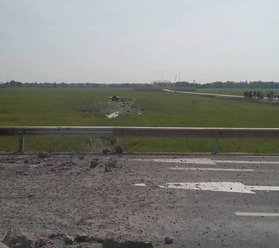 TRỰC TIẾP: Máy bay huấn luyện phản lực của Không quân rơi tại Phú Yên - Ảnh 3.