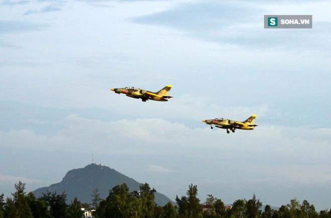 TRỰC TIẾP: Máy bay huấn luyện phản lực của Không quân rơi tại Phú Yên - Ảnh 1.