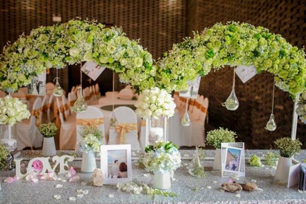 Choáng với đám cưới xa hoa, rước dâu bằng dàn ôtô gần 100 chiếc - Ảnh 8.