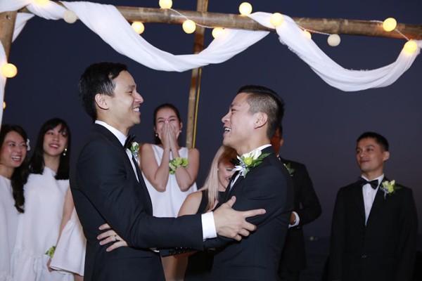 NTK Adrian Anh Tuấn và Sơn Đoàn trở thành khách mời giao lưu trực tuyến 1