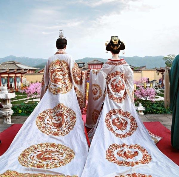 Lóa mắt với dàn phục trang 260 bộ của 'nữ hoàng' Phạm Băng Băng 9