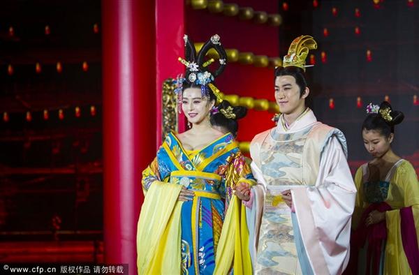 Lóa mắt với dàn phục trang 260 bộ của 'nữ hoàng' Phạm Băng Băng 17