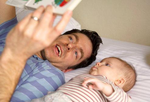Giúp bé học hỏi và phát triển trong 12 tháng đầu đời 1