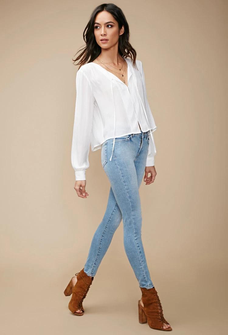 Với 22£ (khoảng 704 nghìn VNĐ) bạn đã có thể sở hữu riêng cho mình chiếc  quần skinny ôm sát của thương hiệu F21. Thiết kế jeans cơ bản với tông màu  ...