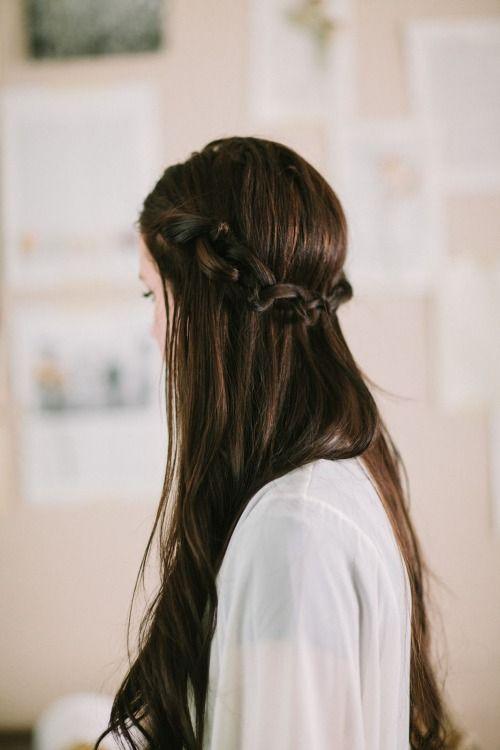 Những kiểu tóc cứu cánh cái mùa... vừa gội đầu xong đã bết dính  Những kiểu tóc cứu cánh cái mùa... vừa gội đầu xong đã bết dính