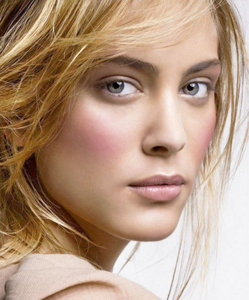 Cách đánh phấn má hồng theo từng dáng khuôn mặt 1