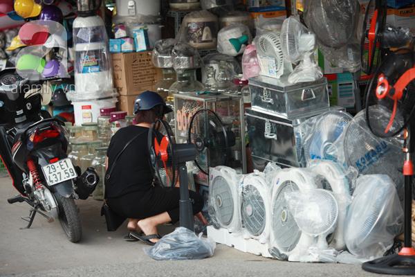 thị trường đồ chống nóng