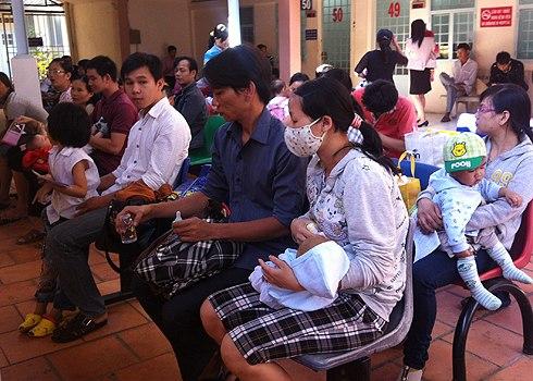 Nhiều trẻ mắc bệnh hô hấp, tiêu hóa sau Tết 1