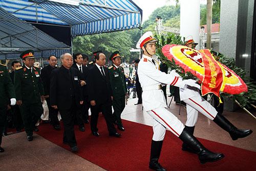 Những hình ảnh xúc động trong ngày Quốc tang Đại tướng 2
