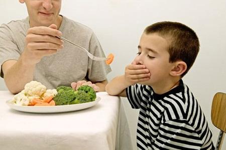 Giúp mẹ khắc phục tình trạng chán ăn ở trẻ 1