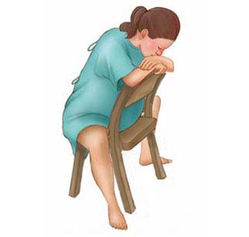 10 tư thế mẹ bầu nên biết để giảm đau khi chuyển dạ 3