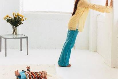Bài tập chống đau lưng, mỏi cổ cho mẹ sau sinh 3