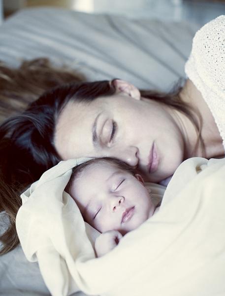 Ngủ chung với con: 14 lưu ý để bé không bị đột tử 3