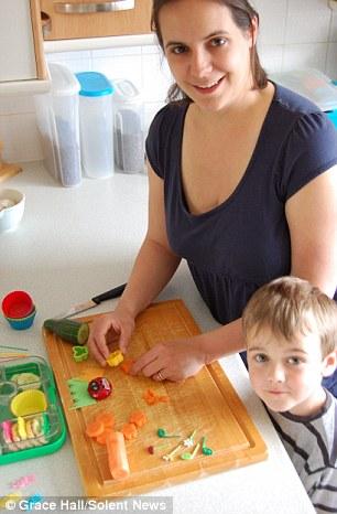 Bà mẹ nổi tiếng vì làm cho con những hộp cơm trưa tuyệt đẹp  2