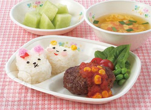 Ngạc nhiên với bữa ăn trưa trong trường học Nhật Bản 2