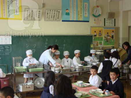 Ngạc nhiên với bữa ăn trưa trong trường học Nhật Bản 3