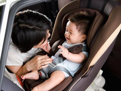 Mách mẹ cách sử dụng các loại ghế cho bé một cách an toàn nhất 3