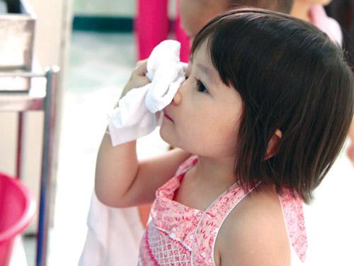 7 vấn đề sức khỏe không nghiêm trọng của con nhưng mẹ cần để mắt tới 1