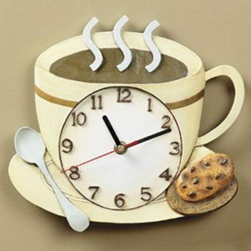 Phòng bếp ấn tượng với đồng hồ treo tường