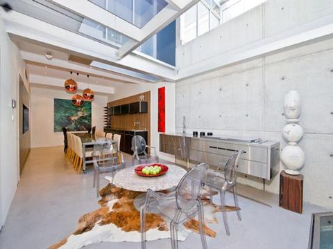 Độc đáo: Ngôi nhà có bể bơi... trong phòng khách 1