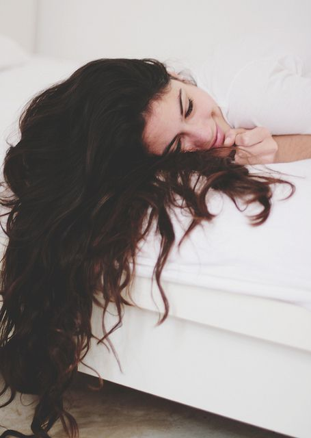8 lý do gây rụng tóc bạn vô tình mắc phải khi làm đẹp hàng ngày 1