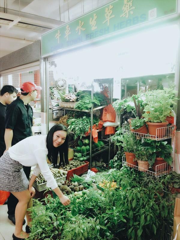 Vân Trần - Cô gái bỏ việc để đi bán bánh mì Việt nổi tiếng khắp London 2