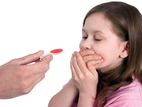 dùng thuốc cho con