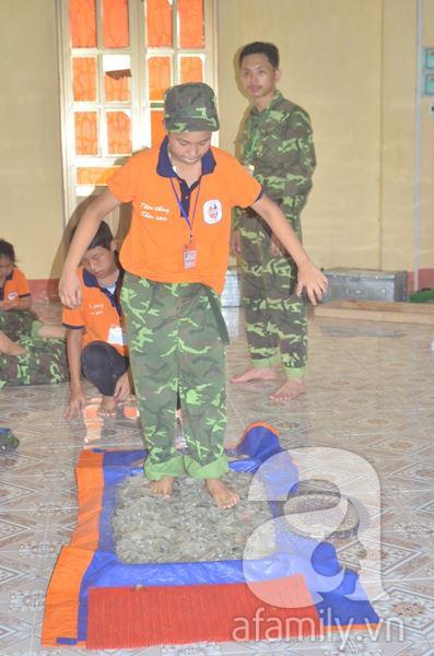 Nhật ký 10 ngày đi lính của những đứa trẻ thành phố 23