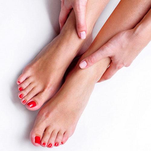 Cảnh giác với 5 triệu chứng bất thường ở chân 2