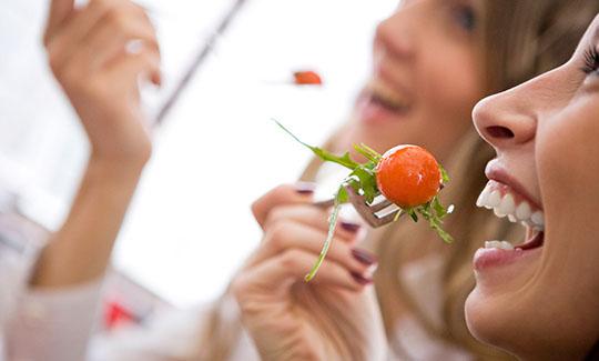 Những thực phẩm chị em nên ăn để giảm đau do viêm khớp 1