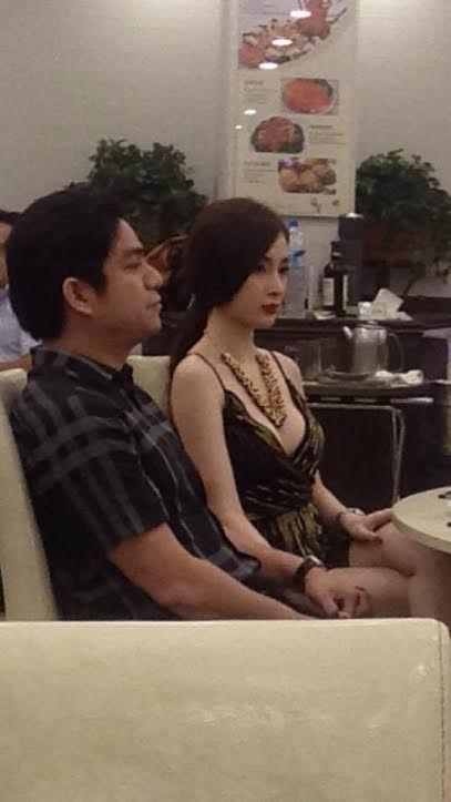 Bác sĩ thẩm mỹ bất ngờ công khai đang yêu Angela Phương Trinh 4