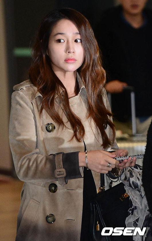 Lee Min Jung lần đầu lộ diện sau scandal của Lee Byung Hun 4