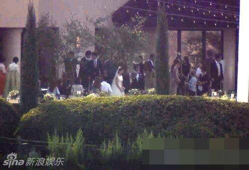 Hình ảnh đám cưới của Bae Yong Joon và Park Soo Jin 3