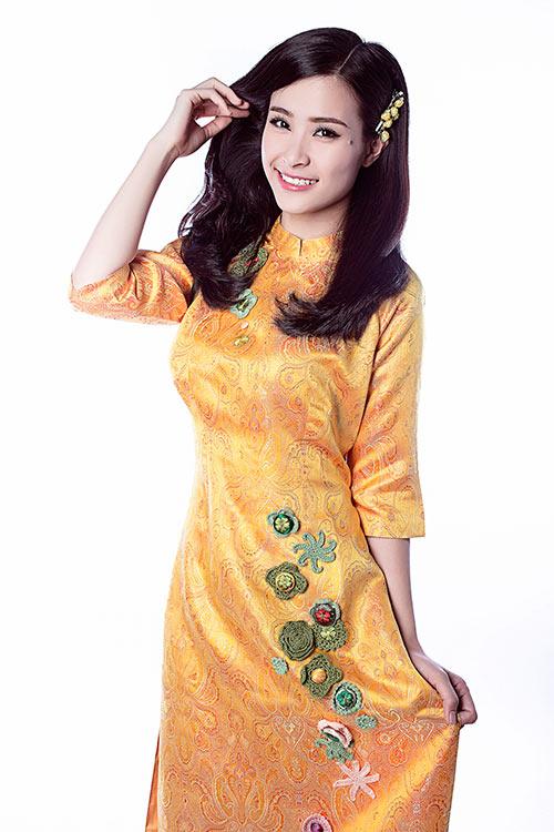 Đông Nhi: Chưa cưới Ông Cao Thắng vì... còn muốn nhận lì xì!