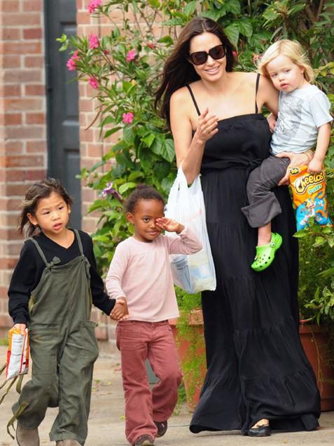 Angelina Jolie - Biến cố cuộc đời đến những quyết định vĩ đại 2