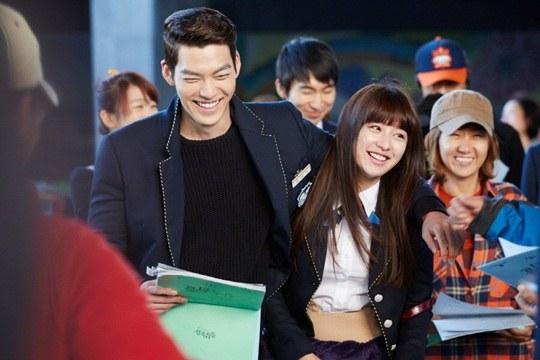"""Lee Min Ho, Park Shin Hye cười tít mắt trên phim trường """"The Heirs"""" 7"""