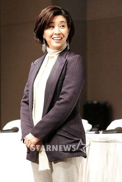 """Kim Mi Kyung """"The Heirs"""": Vinh quang bình dị của """"bà mẹ xứ Hàn"""" 2"""