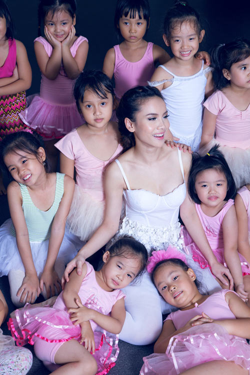 Yến Trang cúi đầu ngưỡng mộ tài năng BNHV nhí 9